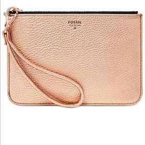 Fossil leather metallic rose gold wristlet